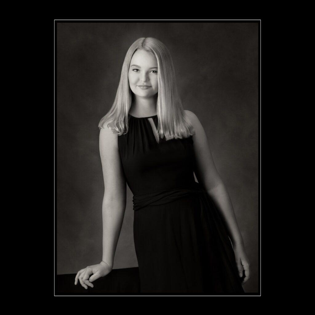 Fine Back & White girl senior portrait
